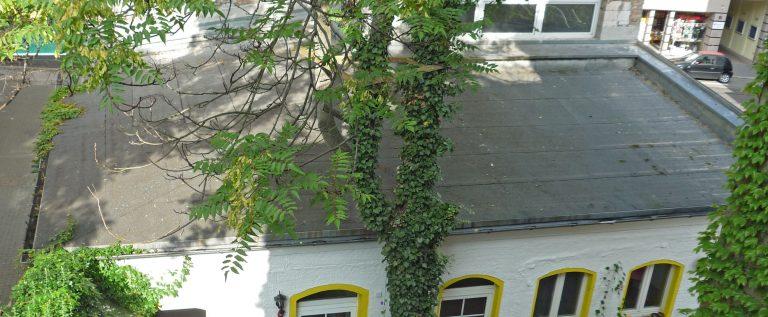 Verlagsflachdach vor dem Umbau